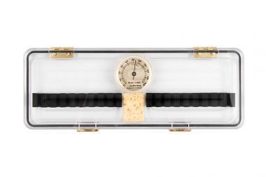 Rohretui: 20 Oboenrohre, Acrylglas, Hygrometer