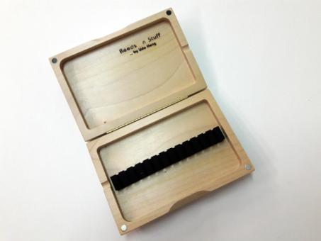 reed case: 13 oboe reeds, solid beech - Sale -